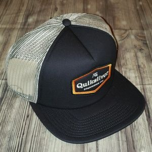 Quiksilver Bustered mesh snap back hat